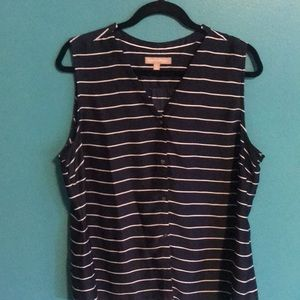 Banana Republic v neck top